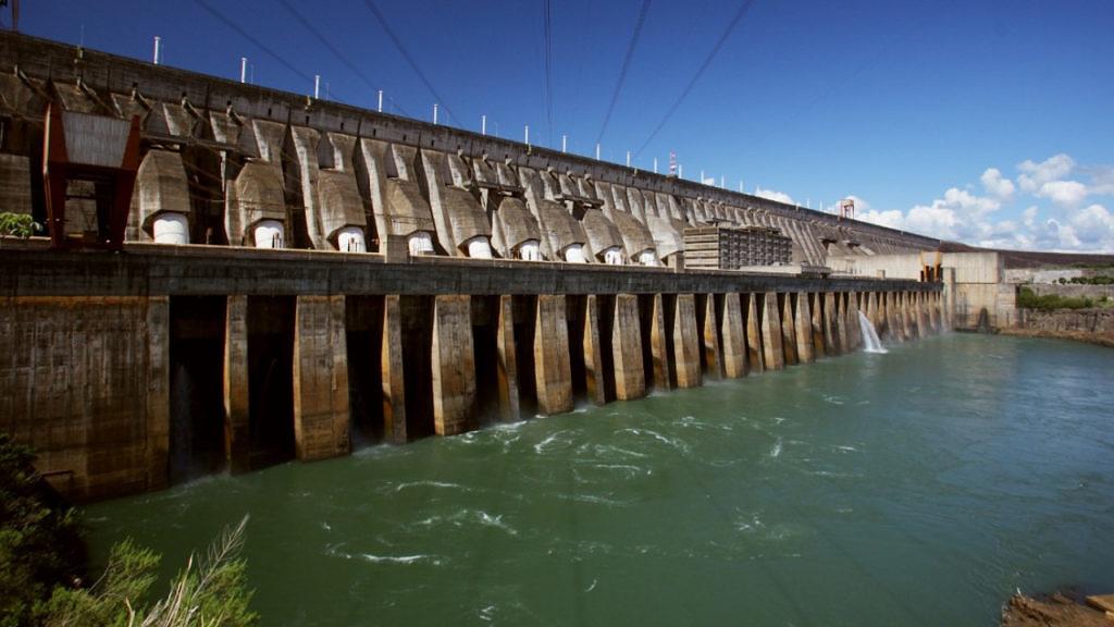 Com duração prevista para 11 dias, medida visa evitar desperdício de matéria-prima, já que a água liberada de Itaipu será turbinada e não escoada pelo vertedouro