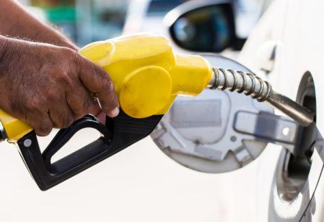 Demanda por combustíveis cresce no Brasil devido ao aumento na mobilidade