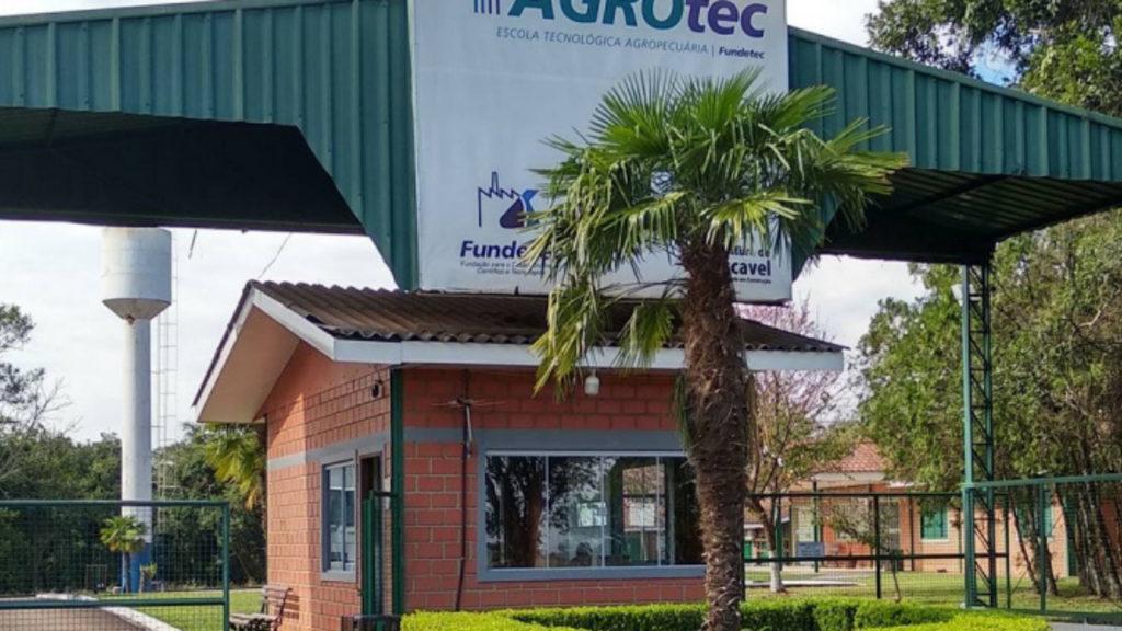 Instalação da futura Escola de Inovação Agrícola no Paraná