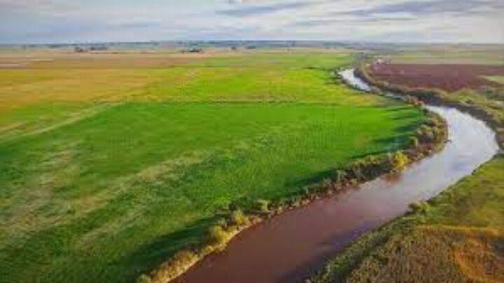 Águas do Agro para conservar água e solo